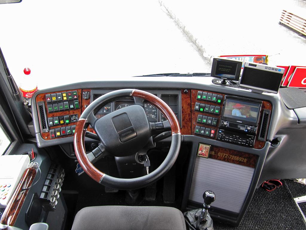 Kohtla-Järve, Volvo 9900 № 337 BFT