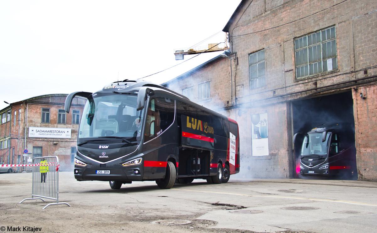 Tallinn, Irízar i8 № 256 BRK Tallinn — Lux Expressi Scania Irízar i8 busside ametlik esitlustseremoonia