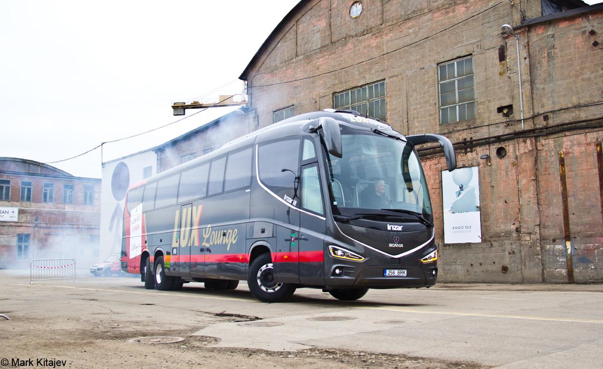Tallinn, Irízar i8 15-3,7 № 256 BRK Tallinn — Lux Expressi Scania Irízar i8 busside ametlik esitlustseremoonia