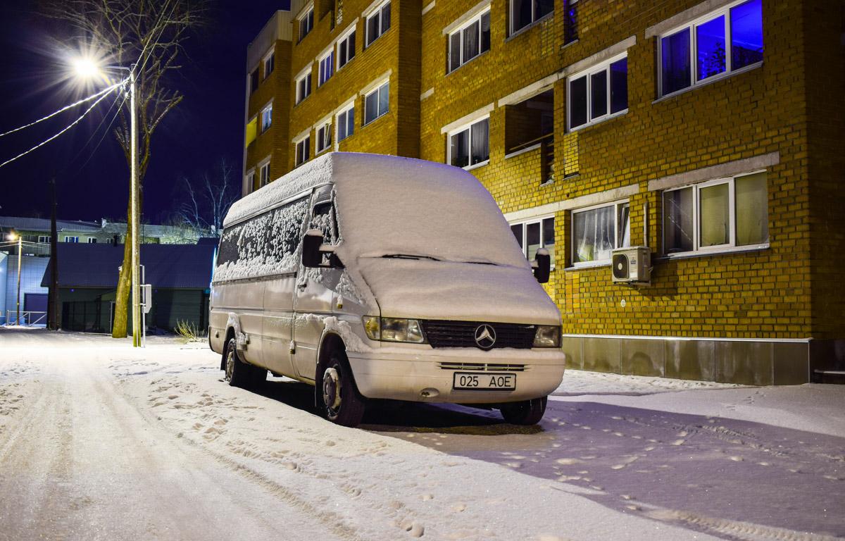 Tapa, Mercedes-Benz Sprinter 412D № 025 AOE