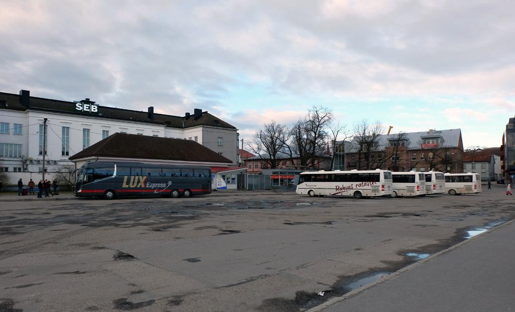 BUSSIJAAMAD (Pärnu)