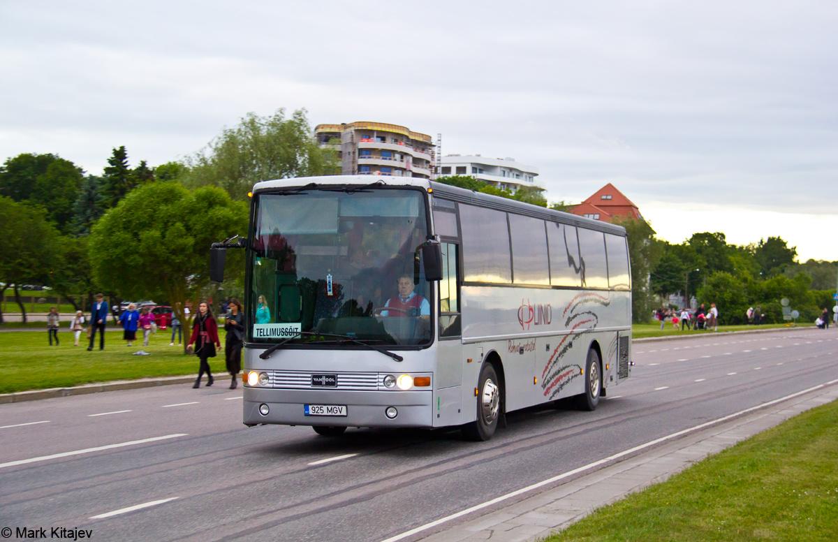 Viljandi, Van Hool T815 Alicron № 925 MGV Tallinn — XII noorte laulu- ja tantsupidu (Mina jään)