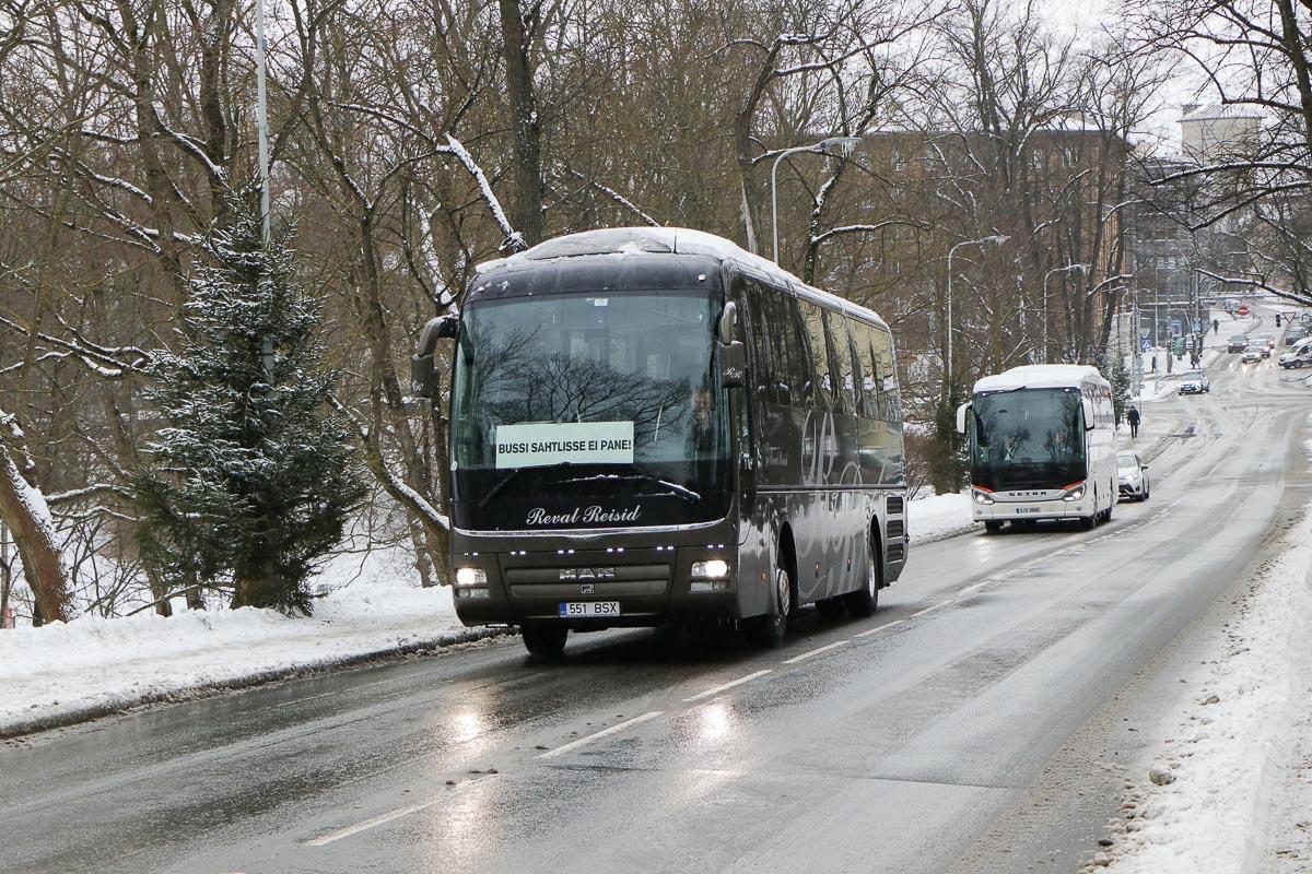 Tallinn, MAN R07 Lion's Coach RHC404 № 551 BSX Protestiaktsioon Toompeal