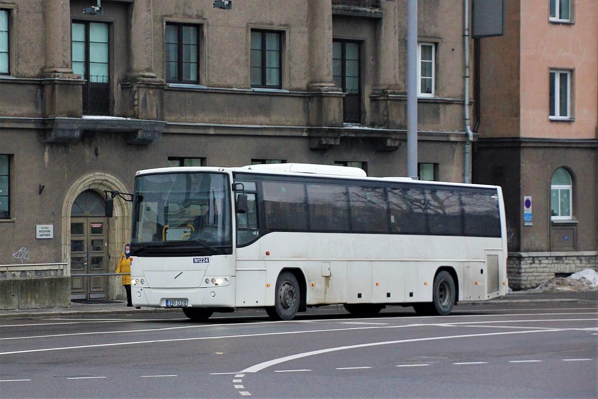 Tallinn, Volvo 8700 № 390 DZB